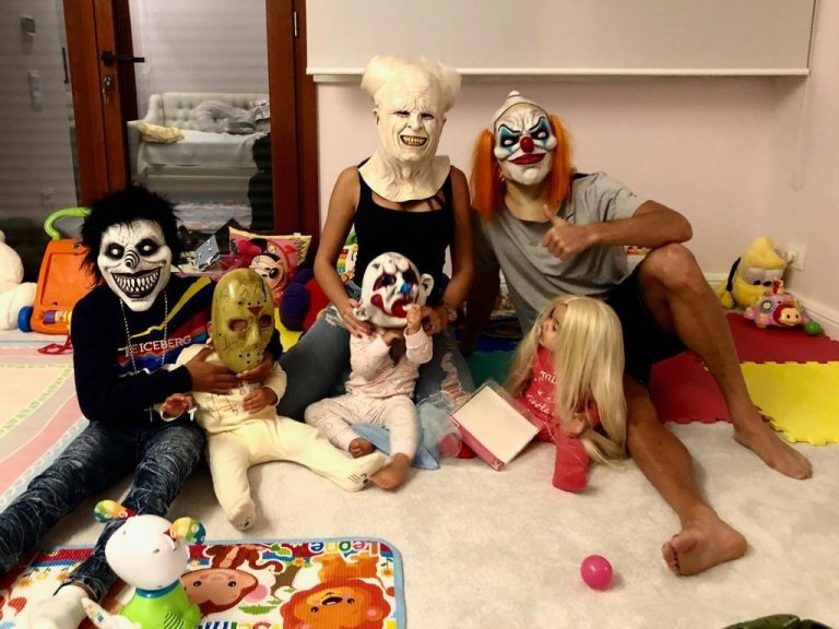Halloween Looks Scary.Cristiano Ronaldo And His Family Show Off Their Scary