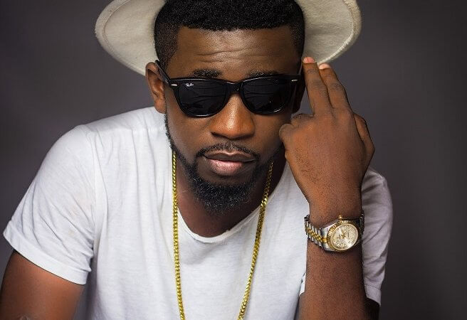 BISA K'dei To 'wow' Fans At Kintampo Water Falls On Easter Monday