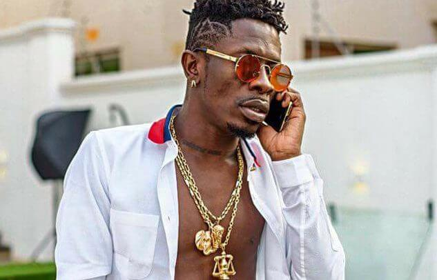 Shatta Wale Fans Angry At Shatta for Begging Fella Makafui
